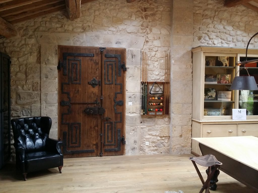 cr ation tour de porte en pierres m ga pierres. Black Bedroom Furniture Sets. Home Design Ideas