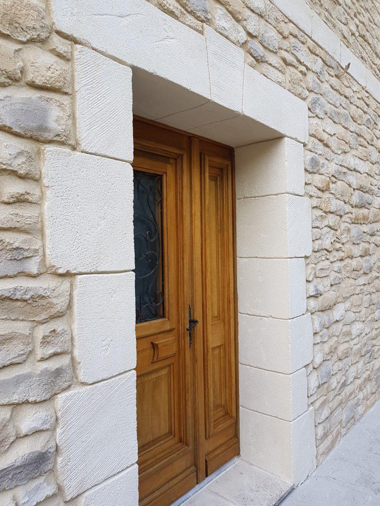 Décoration sur Façade Maison Finition Pierres – 84460 CHEVAL ...